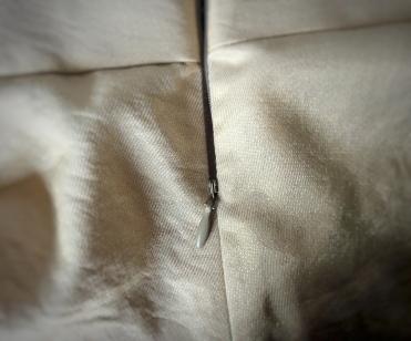 Invisible zip