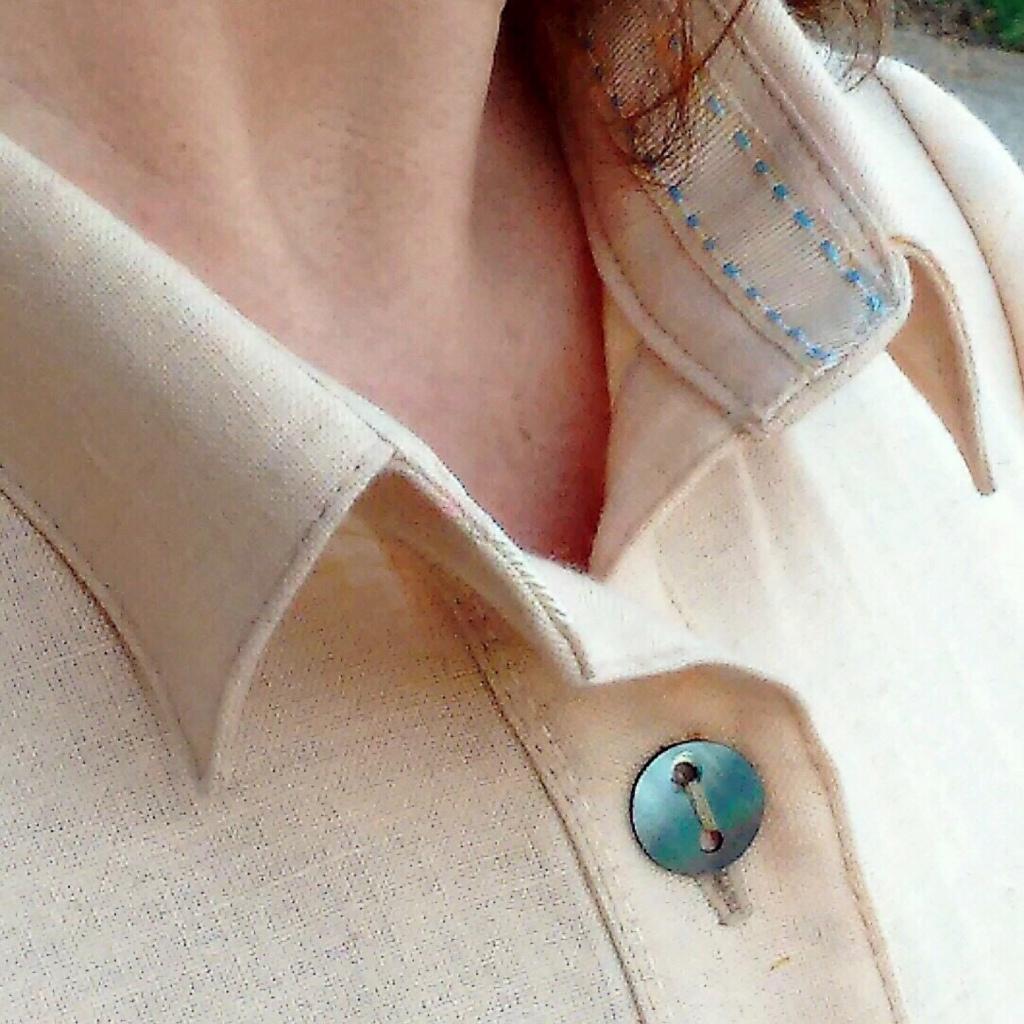Ribbon in collar