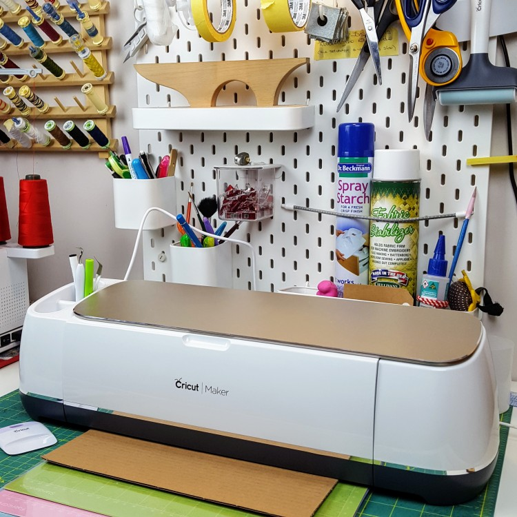 how to use a Cricut Maker
