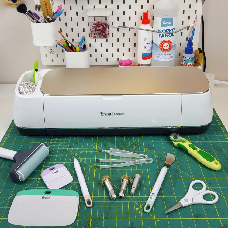Guide to Cricut Maker Tools and Accessories Sew Sarah Smith